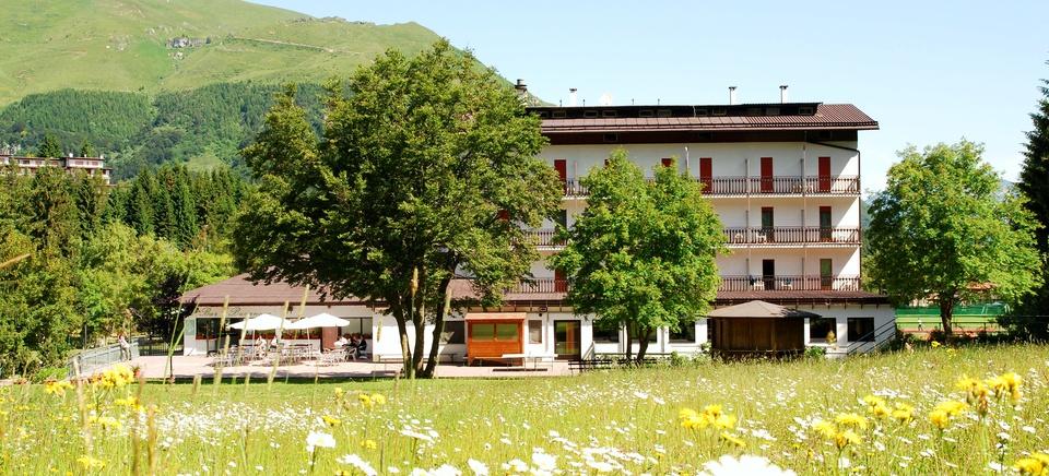 Hotel estate vista giardino